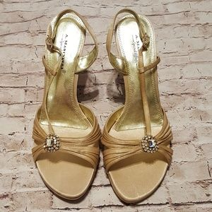 NWOT Special Effect Jeweled Heels
